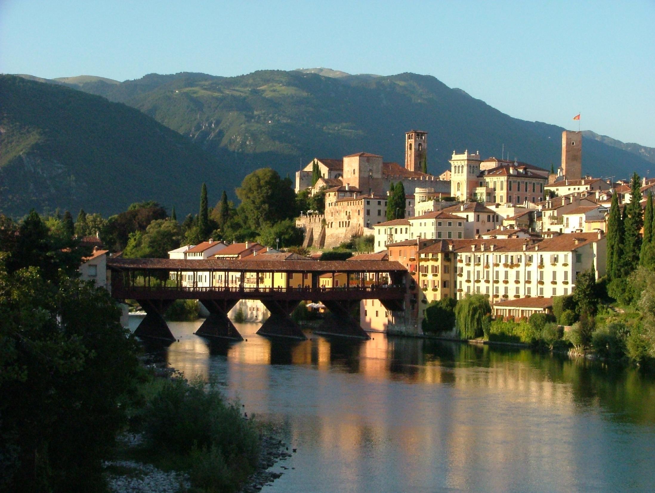 The bassano bridge and the alpine corps ristoranti del - Mobilifici bassano del grappa ...